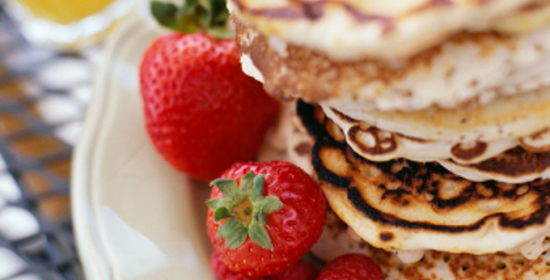 Pancakes coconut with fresh berries 680 x 468