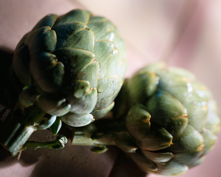 ARTICHOKE WITH ROASTED GARLIC AIOLI | Organic EatsOrganic Eats