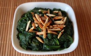 Spinach with toasted almonds