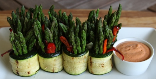asparagus in grilled zucchini roll roast chili lime cashew cream 036